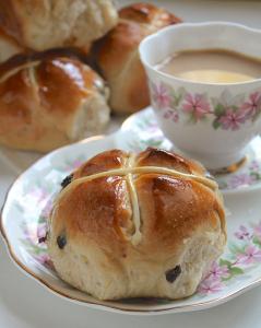 A perfect treat: Hot Cross Buns and Tea