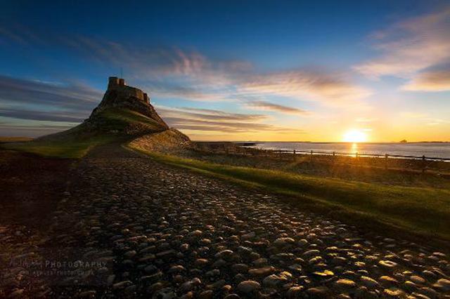 Lindisfarne Castle, courtesy of http://www.tripadvisor.co.uk/LocationPhotoDirectLink-g504044-d1491768-i119945759-The_Holy_Island_of_Lindisfarne-Holy_Island_Northumberland_England.html