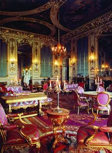 Rutland Castle Saloon