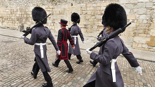 Pic-2-Kingshott-w-guards