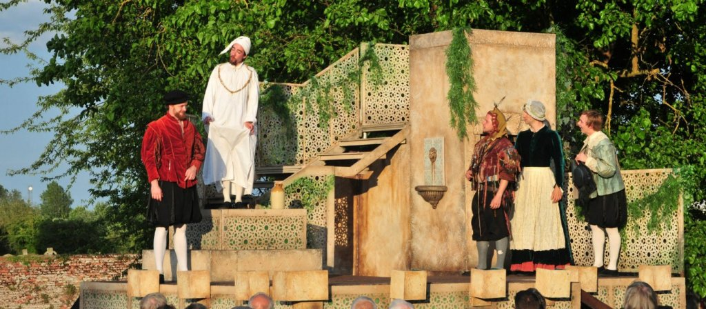 Outdoor theatre at Tattershall Castle / National Trust Images
