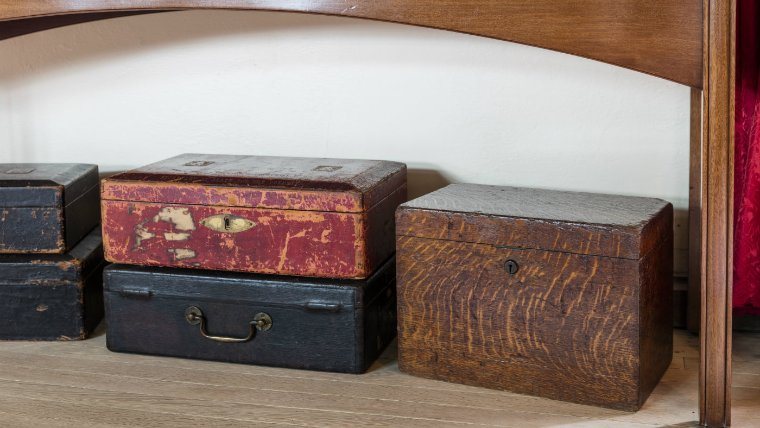 Help us acquire Churchill's wooden speech box for the nation