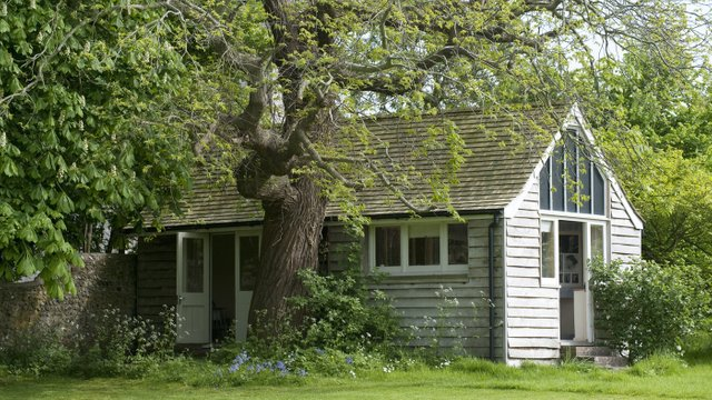 The garden lodge offered Virginia Woolf a tranquil spot in which to write. ©National Trust/Caroline Arber