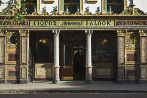 The Crown Bar, Great Victoria Street, Belfast. ©National Trust Images John Hammond